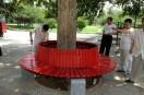 社区安装围树椅 居民休憩更舒心