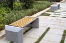 都匀南沙洲绿地公园新添150张无靠背椅便民休息
