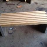 户外街道钢木长椅