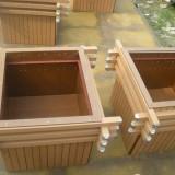 网上购买木质花箱就认准欣方圳园林
