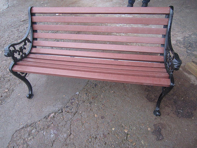 欧式园林有靠背椅子
