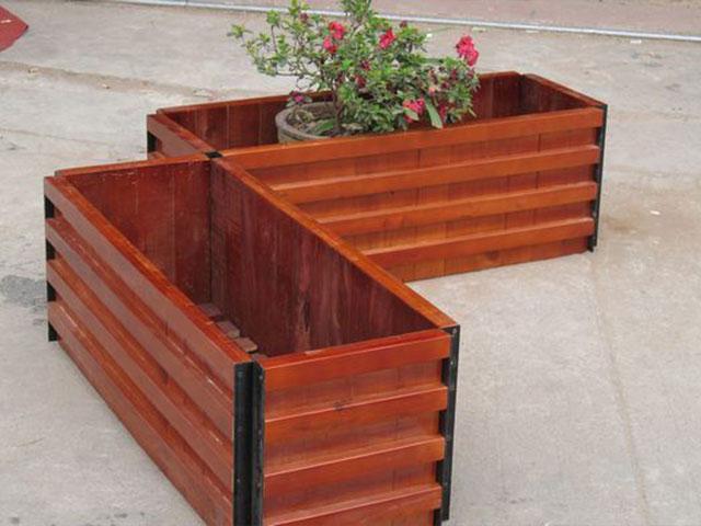 可移动花箱与木质花箱与的特点